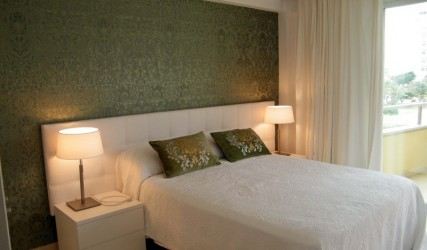 Apartment bedroom wallpaper after interior designer work